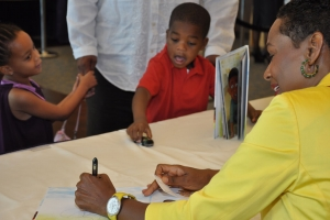 2013_I_Can_Pray_Book_Signing_13