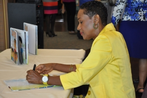 2013_I_Can_Pray_Book_Signing_18