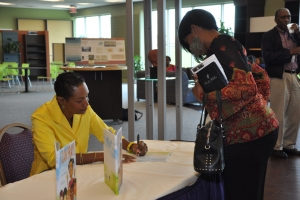 2013_I_Can_Pray_Book_Signing_23